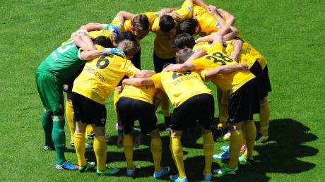 Dresdens Spieler müssen in die Relegation.