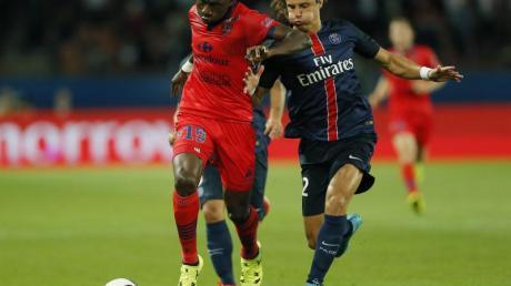 Jacques Zoua (l) spielte zuletzt für den GFC Ajaccio. Foto: Ian Langsdon