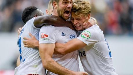 Die Spieler des Hamburger SV haben den Aufstieg fest im Blick.