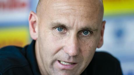 Trainer André Schubert hat einen Blitzwechsel zu Holstein Kiel vollzogen.
