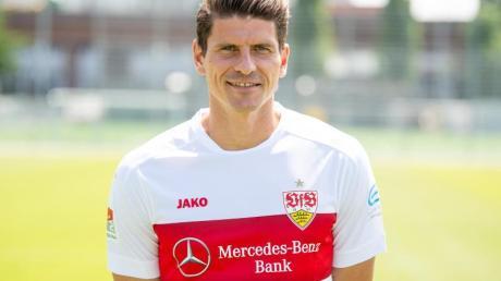Der Stuttgarter Mario Gomez leidet unter einer Magenverstimmung.
