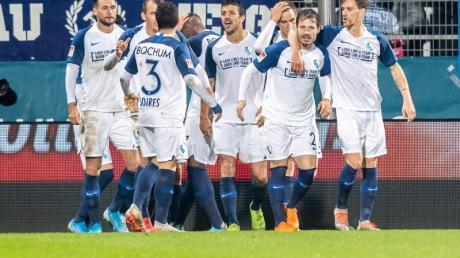 Die Bochumer Spieler freuen sich nach dem 3:0 im Spiel gegen denf FC Nürnberg.