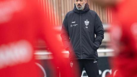 Der neue Trainer des VfB Stuttgart bei seinem ersten Training mit dem Team: Pellegrino Matarazzo.