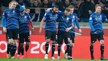 Vorsprung veteidigt: Bielefelds Spieler nach dem Tor zum 1:1.