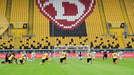 Dynamo Dresden erwägt nach dem so gut wie sicheren Abstieg in die 3. Liga rechtliche Schritte wegen vermeintlicher Wettbewerbsverzerrung.