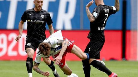 Der HSV hat den möglichen Aufstieg mit der Heimniederlage gegen den SV Sandhausen verspielt.