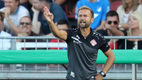 Bleibt Trainer bei Aufsteiger Würzburger Kickers: Michael Schiele.