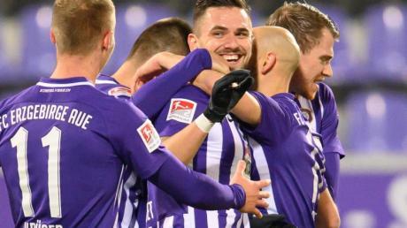 Der FC Erzgebirge Aue setzte sich zu Hause gegen den KSC durch.