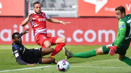 Die Würzburger Kickers stiegen erst in der Saison 20/21 in die 3. Liga ab. Lesen Sie hier, wie und wo die Fans 2021/22 die 3. Liga live verfolgen können.