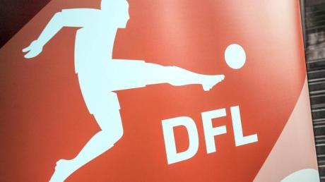 Die Deutsche Fußball Liga hat allen 36 Vereinen der 1. und 2. Fußball-Bundesliga die Lizenz für die kommende Saison vergeben.