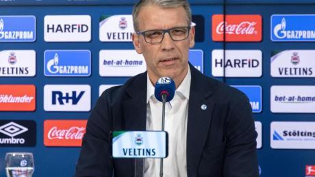 Sieht Schalke vor einer schwierigen Saison in der 2. Liga: Sportvorstand Peter Knäbel.