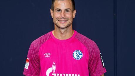 Der FC Schalke 04 setzt zum Saisonauftakt auf Torwart Michael Langer.