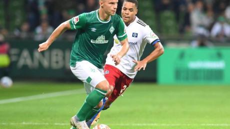 Niklas Schmidt bleibt beim SV Werder Bremen.