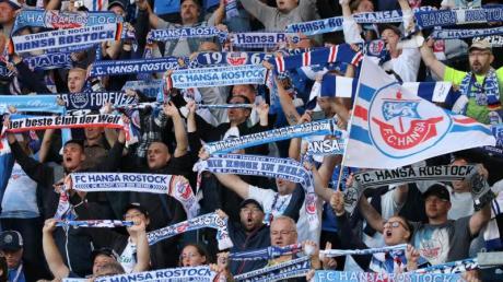Der DFB-Kontrollausschuss ermittelt gegen Hansa Rostock.