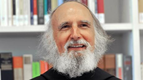 Pater Anselm Grün wird 75 Jahre alt.