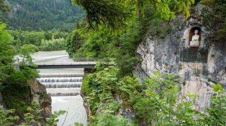 Am Lechfall bei Flüssen sieht man den Einfluss des Menschen.