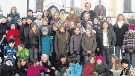 Über 70 Kinder nahmen in Inchenhofen und Sainbach an den Kinderbibeltagen teil und befassten sich intensiv mit einigen Textstellen aus der Heiligen Schrift. Unser Bild zeigt die dritten bis fünften Klassen.