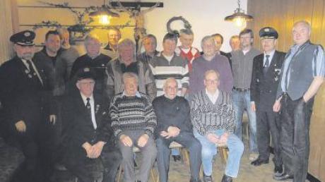 Sie halten der KRK Inchenhofen schon viele Jahre die Treue. Dafür ehrten Vorsitzender Erich Frömel sowie Winfried Schulz und Hans Härtl vom BKV-Kreisverband diese Mitglieder.