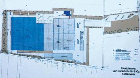 Die große blaue Fläche (links) gehört zum Gebiet, um das sich die Konservenfabrik Durach in Sand vergrößern will.