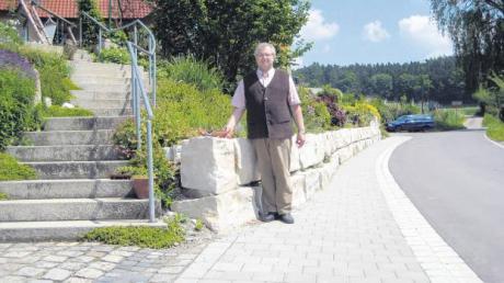 Bei der Durchfahrt Heimpersdorf wurde auch das Ortsbild aufgewertet – dank der guten Zusammenarbeit zwischen Gemeinde und Anliegern, wie der Baarer Bürgermeister Leonhard Kandler erklärt.
