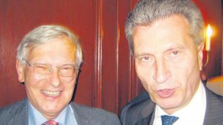 Hans Wilhelm Häfner neben EU-Energiekommissar Günther Oettinger.