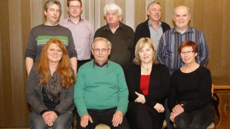 Der Vorstand der CWG: (stehend von links) Bernd Kauder, Manfred Sießmair, Jakob Ruf, Martin Tenckhoff und Erich Eibl (sitzend) Rita Tenckhoff, Erich Echter, Renate Gutmann und Viktoria Achter.