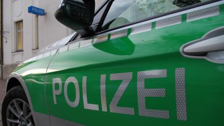 Die Polizei sucht nach einem Einbrecher.