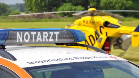 Ein 15-Jähriger ist am Mittwochabend bei einem Unfall mit einem Radlader ums Leben gekommen.