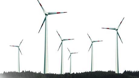 Auf Ehekirchener Flur sind acht Windräder geplant.
