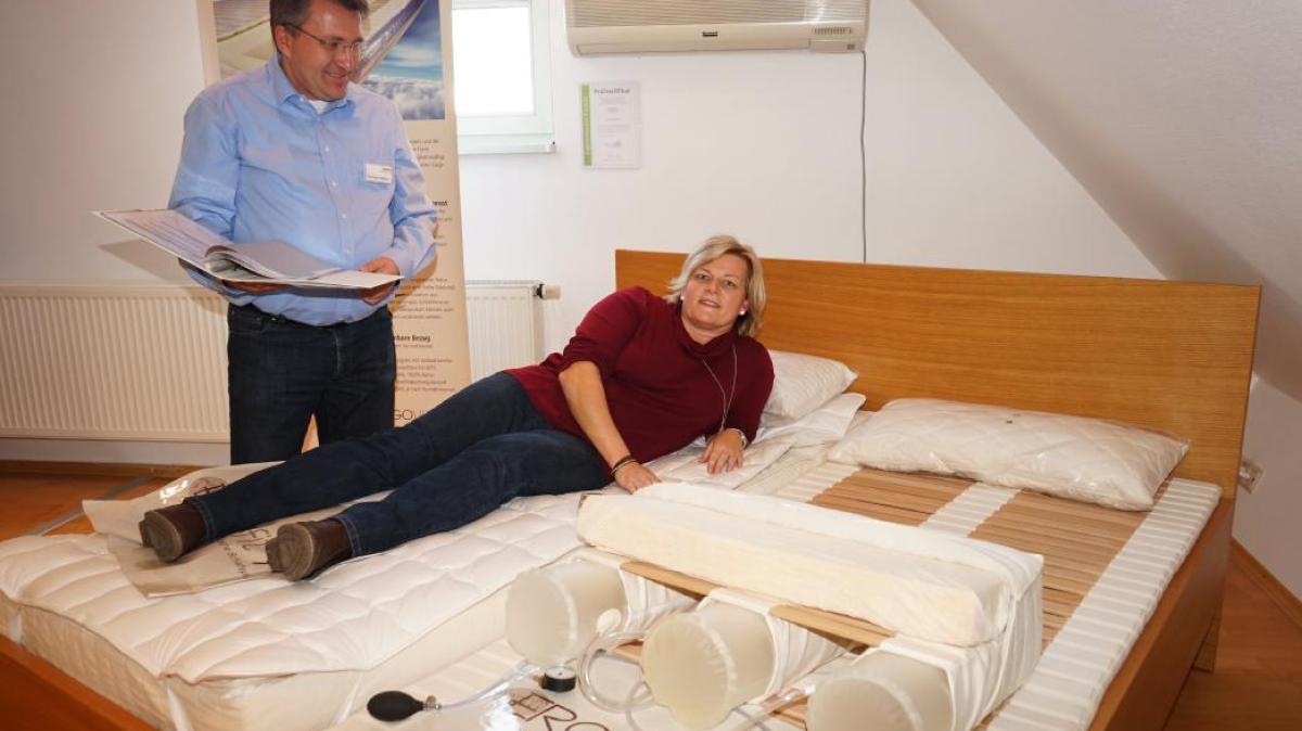 holz f r m bel und wohnraum nachrichten aichach augsburger allgemeine. Black Bedroom Furniture Sets. Home Design Ideas