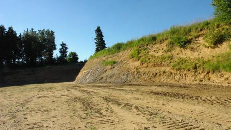 Eine Sandgrube bei Burgadelzhausen will die Firma Aves zur Lagerung von mineralischen Baustoffen und Abfällen nutzen.