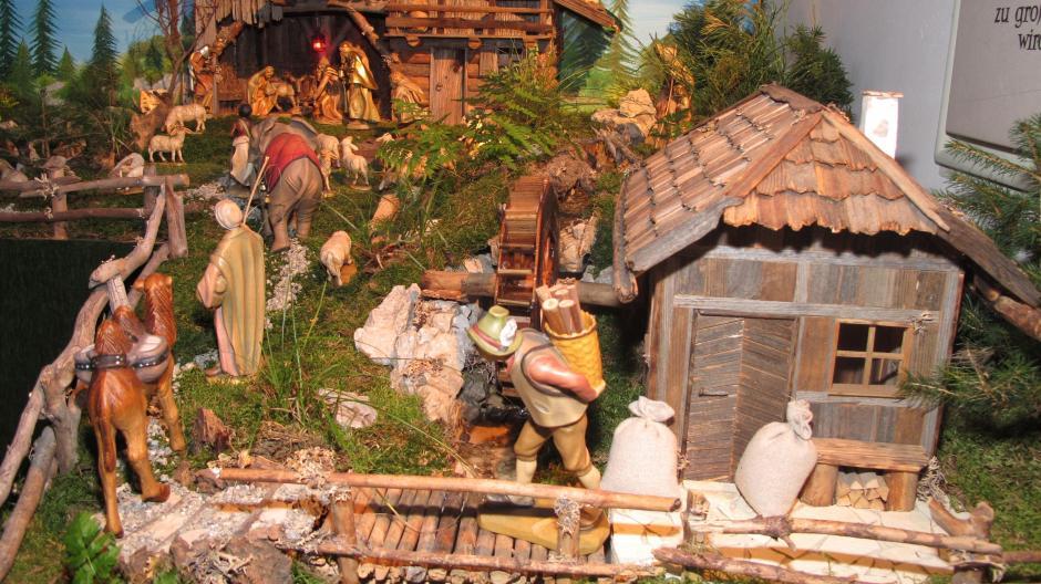 Bilder Krippe Weihnachten.Krippe Weihnachten Auf Drei Quadratmetern In Der Sulzbacher Kirche