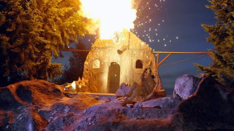 Ein spektakuläres Feuerwerk war auf der Freilichtbühne der Westerncity Dasing zu sehen.Das Stück mit mehr als 80 Mitwirkenden hatte Premiere.