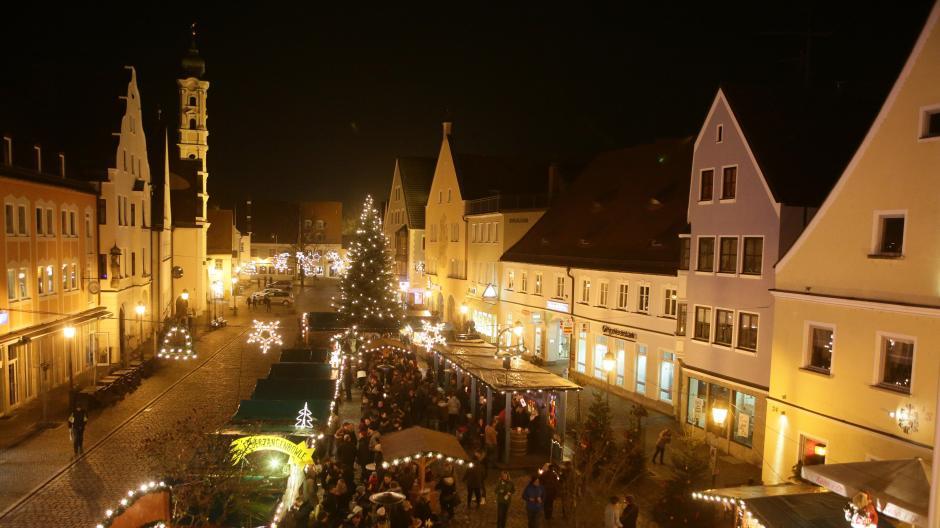 Weihnachtsmarkt Aichach.Advent Weihnachtsduft Und Kerzenschein Nachrichten Aichach