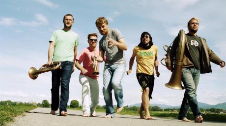 Sie kommen: La Brass Banda tritt am 22. Juli auf Schloss Scherneck auf.