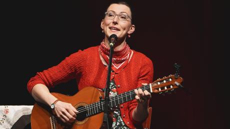 Martina Schwarzmann in der Schwabenhalle in Altomünster.