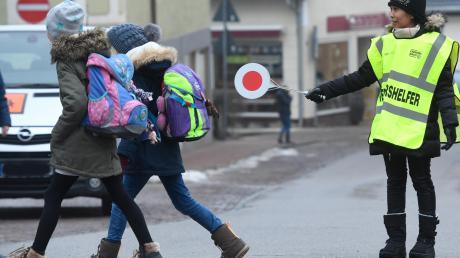 Schulweghelfer sollten den Schulweg in Kühbach sicherer machen. Doch es gibt nicht genügend Freiwillige.