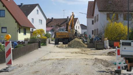 Der Kanalbau in der Blumenthaler Straße in Klingen ist wieder in vollem Gange. Bis Sommer soll die Maßnahme abgeschlossen sein.