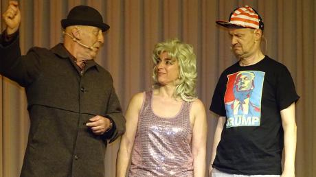 Herr und Frau Braun bei ihrem Auftritt vor zwei Jahren im Aichacher Pfarrzentrum mit (von links) Silvano Tuiach, Gabriela Koch und Roland Krabbe. Ihr für den 4. April 2020 geplanter Auftritt muss verschoben werden.