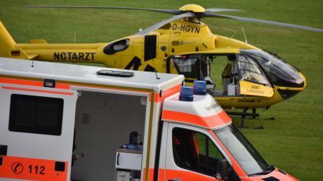Nach dem schweren Unfall bei Thierhaupten waren insgesamt drei Rettungshubschrauber im Einsatz. (Symbolbild)