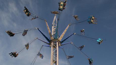 Sehr gut angenommen wurde der Bayernstar, ein neues Riesen-Kettenkarussell auf dem Volksfestplatz.