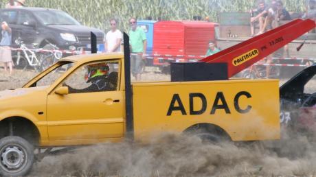 Das beste Showcar, bei dem der Fahrer im hinteren Auto rückwärts mitlenken musste, war dieser ADAC-Wagen von Tobias und Jonas Schneider.