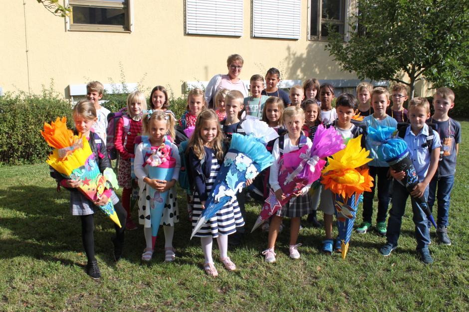 Alle Klassenfotos vom ersten Schultag im Landkreis - Nachrichten ...