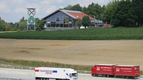In der Nähe des Bauermarkt in Dasing wurden zwei Autos aufgebrochen.