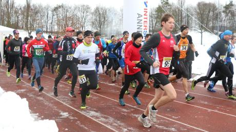 Am Montag gehen die Läufer wieder beim Dreikönigslauf in Aichach an den Start.