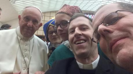 Copy%20of%20AIC-Papst-neu.tif