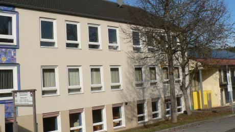 Die ehemalige Obergriesbacher Schule beherbergt die Gemeindeverwaltung. Das Gesamtkonzept für die Sanierung des Verwaltungsgebäudes soll nun das Ingenieurbüro Schrammel erstellen.