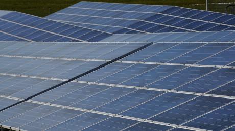 Die Energiebauern wollen in Sielenbach einen elf Hektar großen Solarpark bauen. Der Gemeinderat billigte nun sowohl den Vorentwurf zur Änderung des Flächennutzungsplans als auch den Bebauungsplan für den Solarpark.