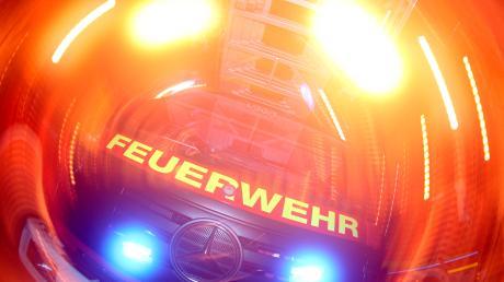 Am Samstagmorgen brannte eine Garage im Landkreis Eichstätt. Der Eigentümer wurde dabei leicht verletzt.