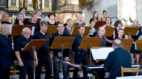 Lang anhaltenden Applaus gab es nach dem Konzert in der Wallfahrtskirche Maria Birnbaum für den Chor St. Severin.